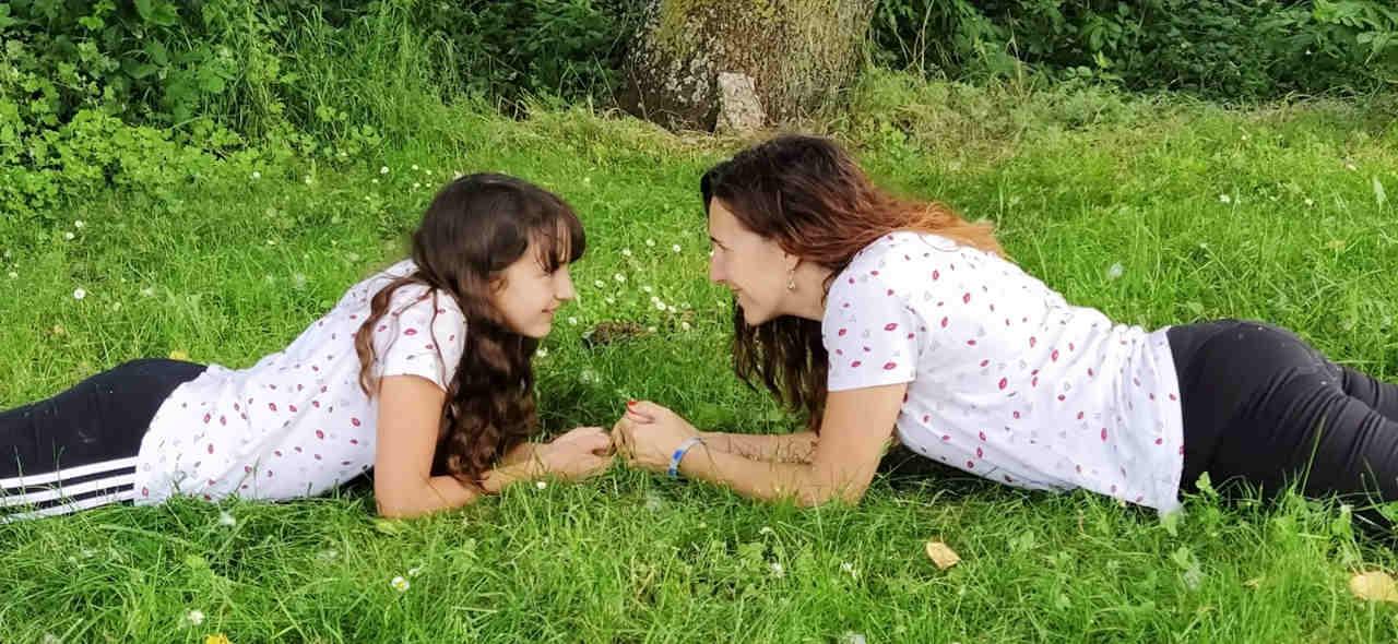 Madre e hija. Crianza de Alta Demanda